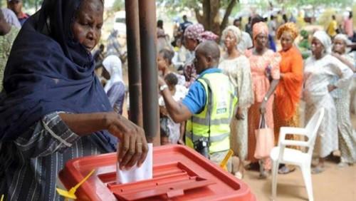 مفوضية الانتخابات في نيجيريا تبدأ إعلان نتائج الانتخابات الرئاسية