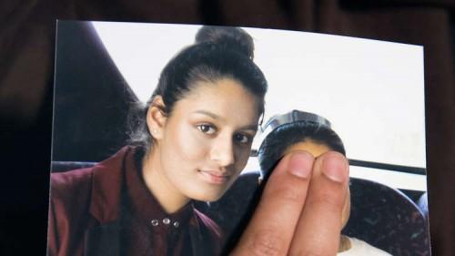 """والد """"عروس داعش"""": قرار سحب الجنسية عن ابنتي خاطئ"""