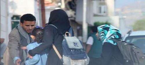 الموت يحاصر فتيات صنعاء.. الفقر داخل المنزل والاختطاف خارجه