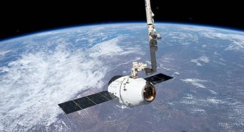 """اخر إبريل..  إنطلاق """"دراغون"""" الأمريكية إلى الفضاء"""