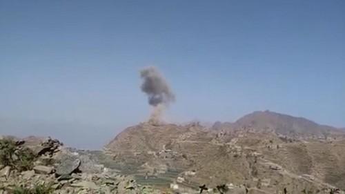 بمقتل قيادات المليشيا.. التحالف يدك حصون الحوثي ويدعم قبائل حجور