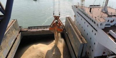 مصادر: إيران تستورد 150 طنًا من السكر الهندي