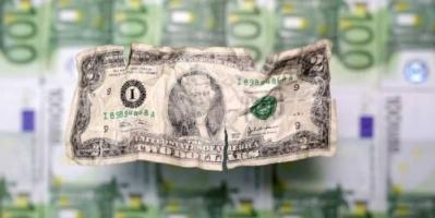 الدولار ينتظر شهادة رئيس البنك المركزي الأمريكي ليتعافى من الهبوط