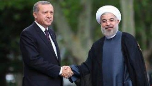 إعلامي سعودي يُهاجم أردوغان وروحاني.. لهذا السبب