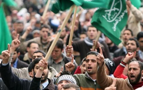 """شباب الإخوان في مصر يعلنون تأييد السيسي والتنازل عن """"مرسي"""""""