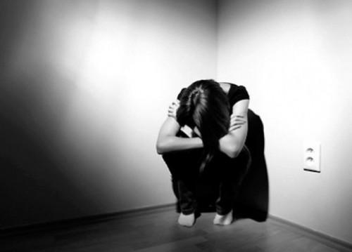 دراسة حديثة : ساعات العمل الطويلة تصيب النساء بالاكتئاب