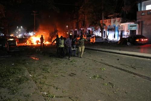 ارتفاع حصيلة انفجار سيارة مفخخة في مقديشو إلى 25 قتيلا