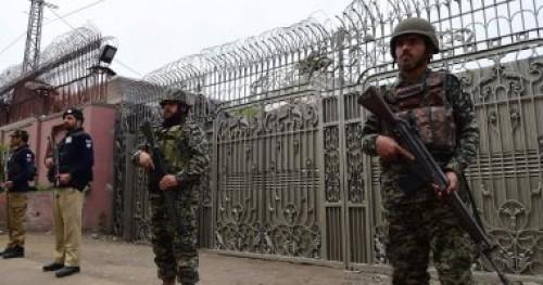 باكستان ترفع حالة التأهب الأمنى على الخط الفاصل فى كشمير