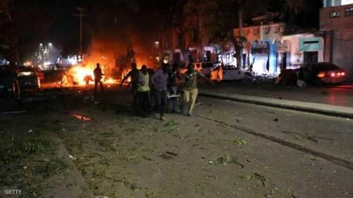 """مقتل 5 أشخاص وإصابة 25 آخر في انفجار  بالصومال """"تفاصيل"""""""