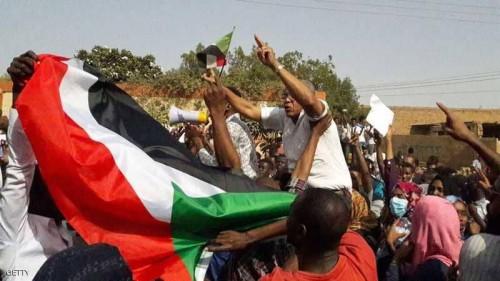 السودان تحيل 870 مواطنًا لمحاكم الطوارئ