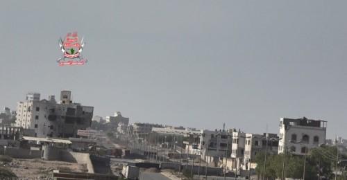 المليشيات الحوثية تقصف مواقع القوات المشتركة في الحديدة