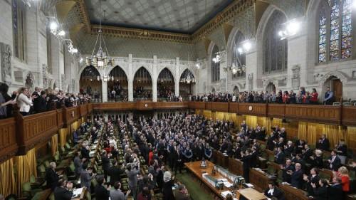 بعد مصادقة البرلمان البريطاني.. تعرف على عقوبة الانضمام أو الترويج لحزب الله  (تقارير)