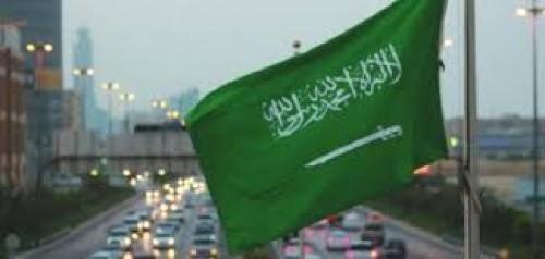 للحفاظ على اليمن والمنطقة.. إعلامي يُطالب بالوقوف خلف السعودية