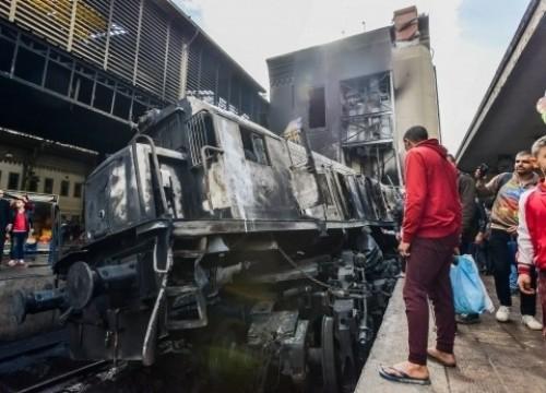بعد حادث القطار المأساوي.. وزيراً جديداً للنقل في مصر