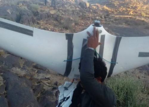 للمرة الثانية.. قبائل حجور تُسقط طائرة حوثية مسيرة