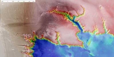 دراسة تقدم دليلًا على وجود شبكة بحيرات في المريخ