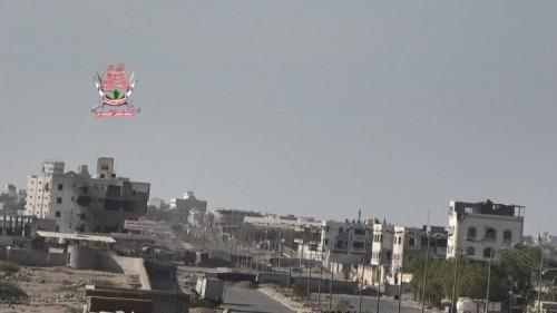 مليشيات الحوثي تقصف المنشآت الخاصة ومواقع العمالقة في الحديدة