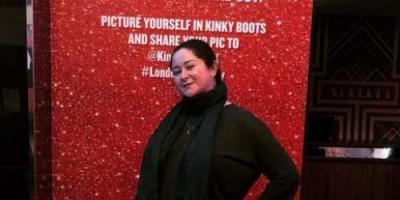 شاهد الفنانة مي نور الشريف أثناء تجولها في لندن (صور)