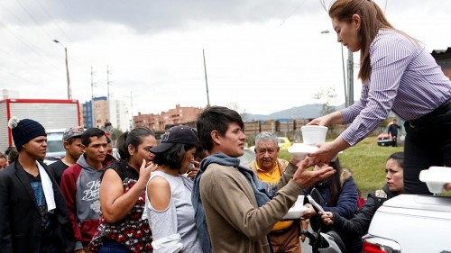 فنزويلا.. عقوبات جديدة بسبب عرقلة وصول المساعدات الإنسانية