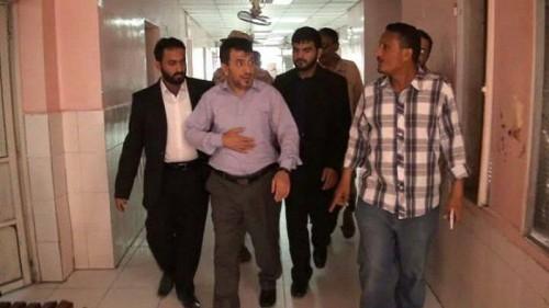"""""""حدث في آب"""".. وزير صحة الحوثيين يتفقد انتهاكات مليشياته"""