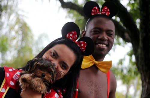"""""""الكلاب"""" نجوم مهرجان بلوكاو في """"ريو دى جانيرو"""" (صور)"""