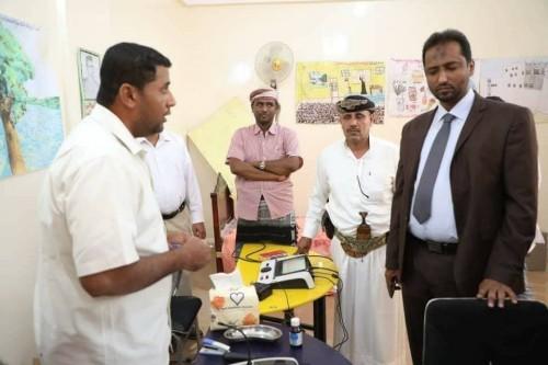 فريق لعلاج ضعاف السمع يزور جمعية رعاية الصم والبكم بالمهرة