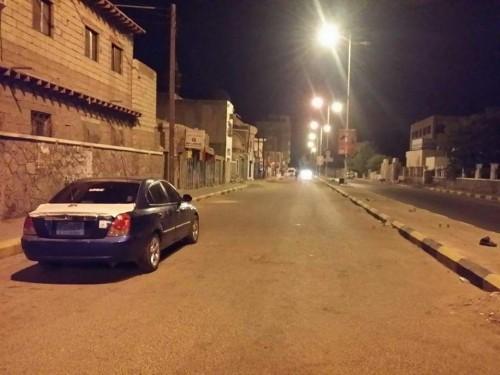 عودة التيار الكهربائي الى عدد من مديريات العاصمة عدن