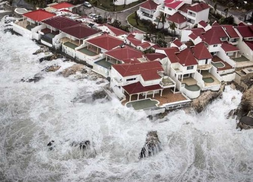 """ارتفاع حصيلة ضحايا إعصار """" ألاباما """" إلى 22 قتيلاً"""