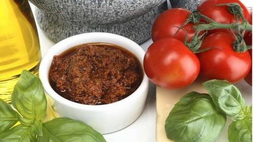 دراسة حديثة : الطماطم تحتوي على مادة غذائية فعالة ضد السرطان