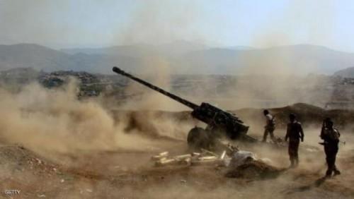 مقتل قيادي حوثي وعدد من مرافقيه بمدفعية الجيش في تعز