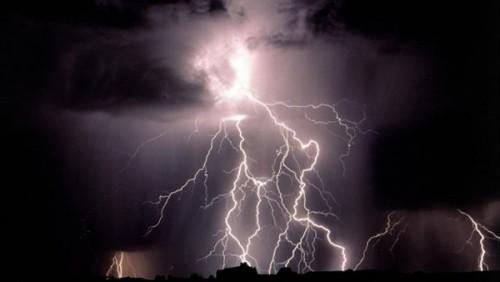 تعرف على دعاء الرعد وسقوط الأمطار