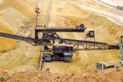 إضرابات عمال تونس تصيب صادرات الفوسفات بالشلل (تفاصيل)