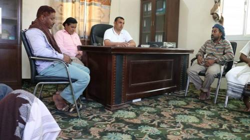 محافظ سقطرى يتفقد إدارة محطة توليد الطاقة الكهربائية بحديبو