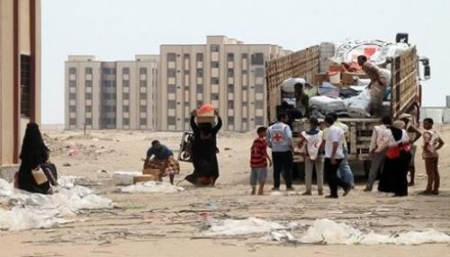 """""""الموجة الأكبر في الحديدة"""".. قصف الحوثي يهجّر السكان من أرضهم"""