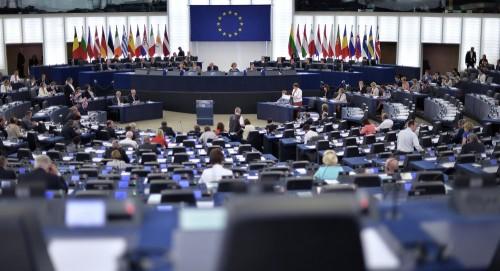 رئيس دائرة الشرق الأوسط بالاتحاد الأوروبي يطلع على آخر المستجدات باليمن
