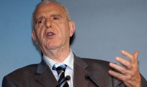 """قيادي بارز بالحزب الجزائري الحاكم ينشق ويعلن رفض ترشح """" بوتفليقة """""""