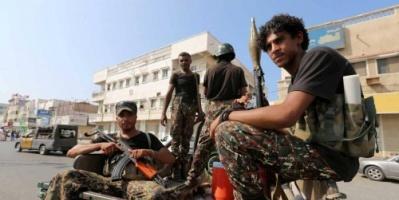 """إلقاء معتقلين """" عراة """" في شوارع صنعاء.. الركن الأخير من فظائع الحوثي"""