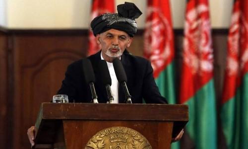 جنرال: الرئيس الأفغاني يدعم مباحثات السلام بين أمريكا وطالبان