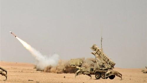 الدفاع الجوي السعودي يعترض طائرة بدون طيار حوثية ويدمرها فوق أبها