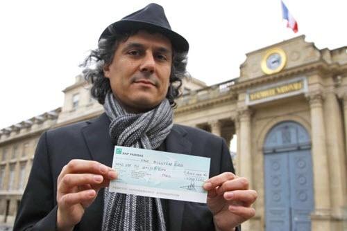 """توقيف المرشح الجزائري """"رشيد نكاز"""" أثناء دخوله المشفى الذي يستضيف بوتفليقة"""