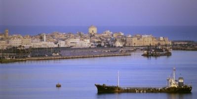 ليبيا: تعاون تجاري بين بني غازي ودبي في عدة مجالات