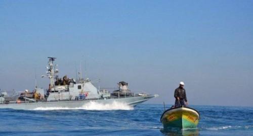 عناصر الاحتلال تطلق النار تجاه صيادين قبالة سواحل غزة