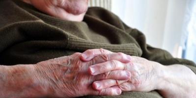 تحذيرات طبية من السمنة عند كبار السن ..تعرف على الأسباب