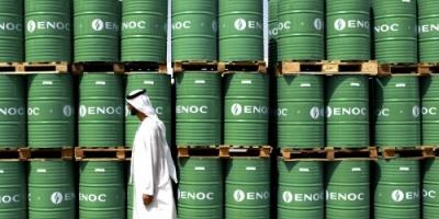 أسعار النفط تهبط 1% لتسجل هذا الرقم
