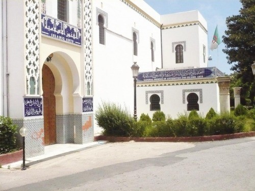 أقدم متاحف الجزائر يتعرض للسطو والتخريب خلال تظاهرات اليوم (تفاصيل)