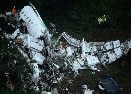 مصرع 12 شخصاً في تحطم طائرة بكلومبيا