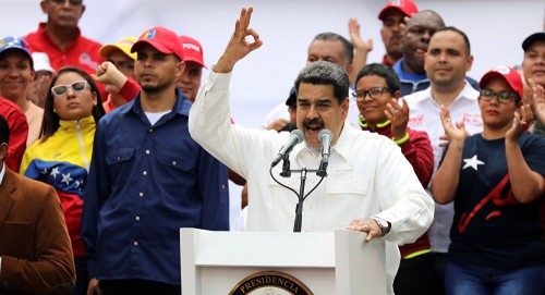 """""""مادورو"""" يحمل الأمبريالية الأمريكية مسؤولية انقطاع الكهرباء بفنزويلا"""