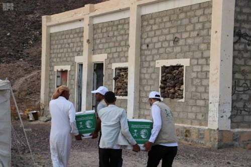 توزيع 60 سلة غذائية من سلمان للإغاثة على النازحين بمأرب