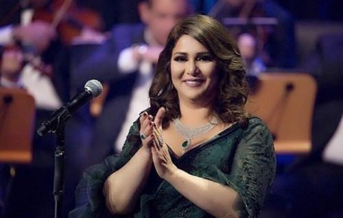 """أنباء عن انضمام الكويتية نوال لـ لجنة تحكيم """" ذا فويس """""""