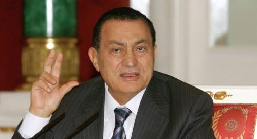 """سياسي: الأوضاع بالجزائر تتشابه بأواخر حكم """"مبارك"""""""